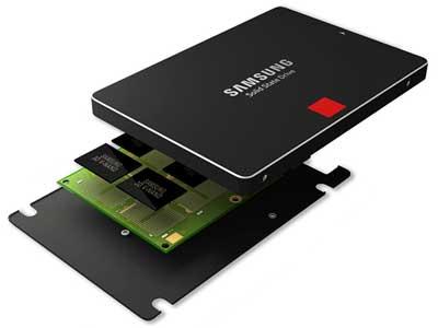 sử dụng ổ cứng SSD